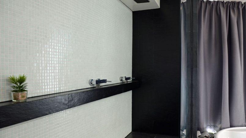 Duschflur Badezimmer Villa Adeje auf Teneriffa