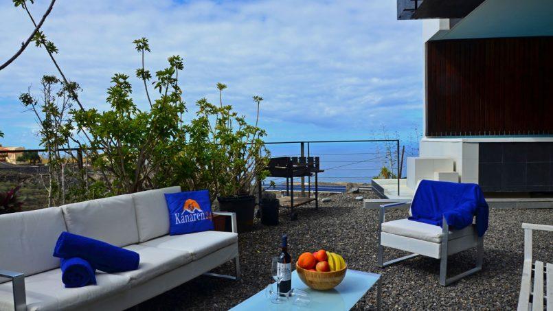 Terrasse mit Terrassenmöbeln Villa Adeje auf Teneriffa
