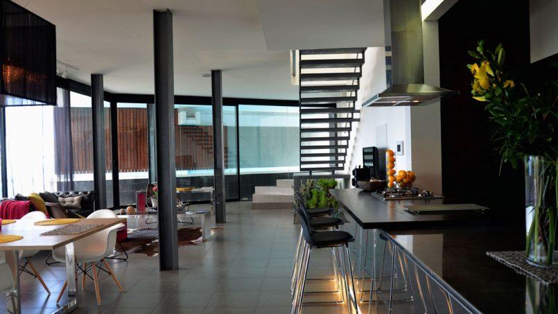 Wohnbereich mit offener Küche Villa Adeje auf Teneriffa